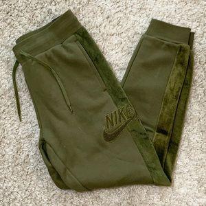 Nike Hairy Sherpa Joggers Slim Green 929130-395 M